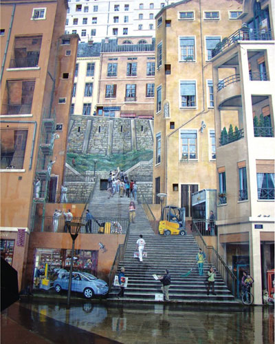 A bustling stairway in Lyon or an uncannily realistic mural painting?